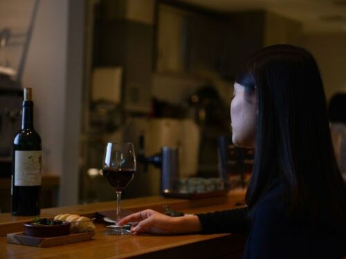 Who's eating indoors in NYC? Mostly millennials ordering pricey wine
